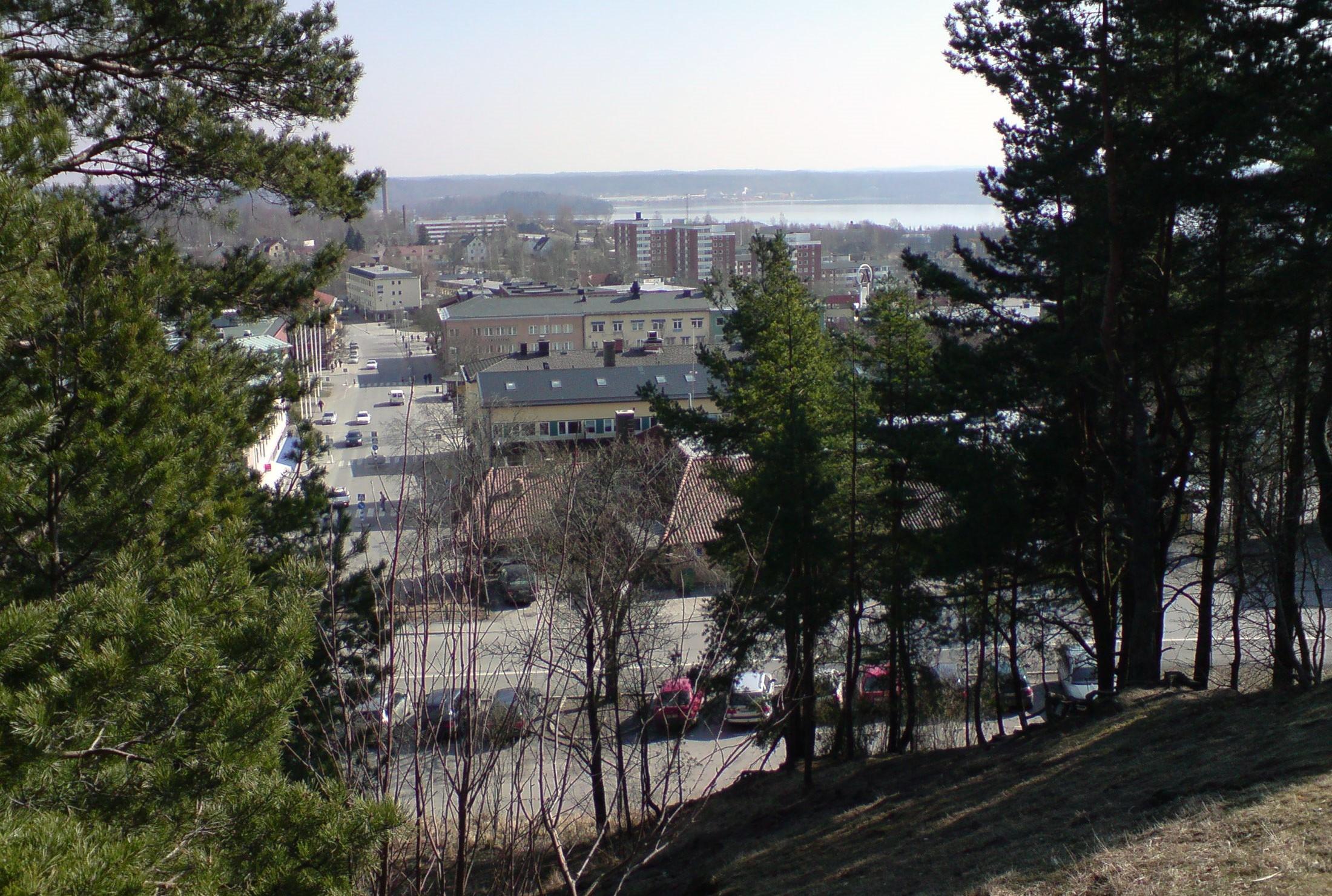 Trädfällning vid en härlig å i Karlskoga kommun